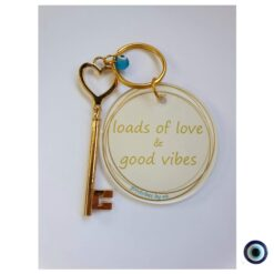 מחזיק מפתח לב loads of love and good vibes 1